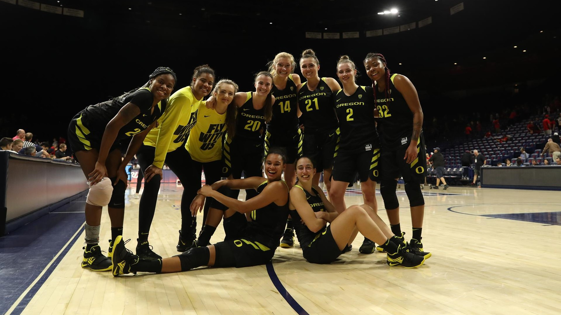 Oregon Clinches Share of Pac-12 Title with Win at Arizona